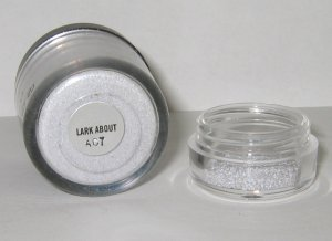 MAC - Lark About 1/4 tsp Pigment Sample