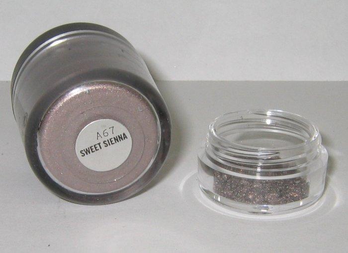 MAC - Sweet Sienna 1/4 tsp Pigment Sample