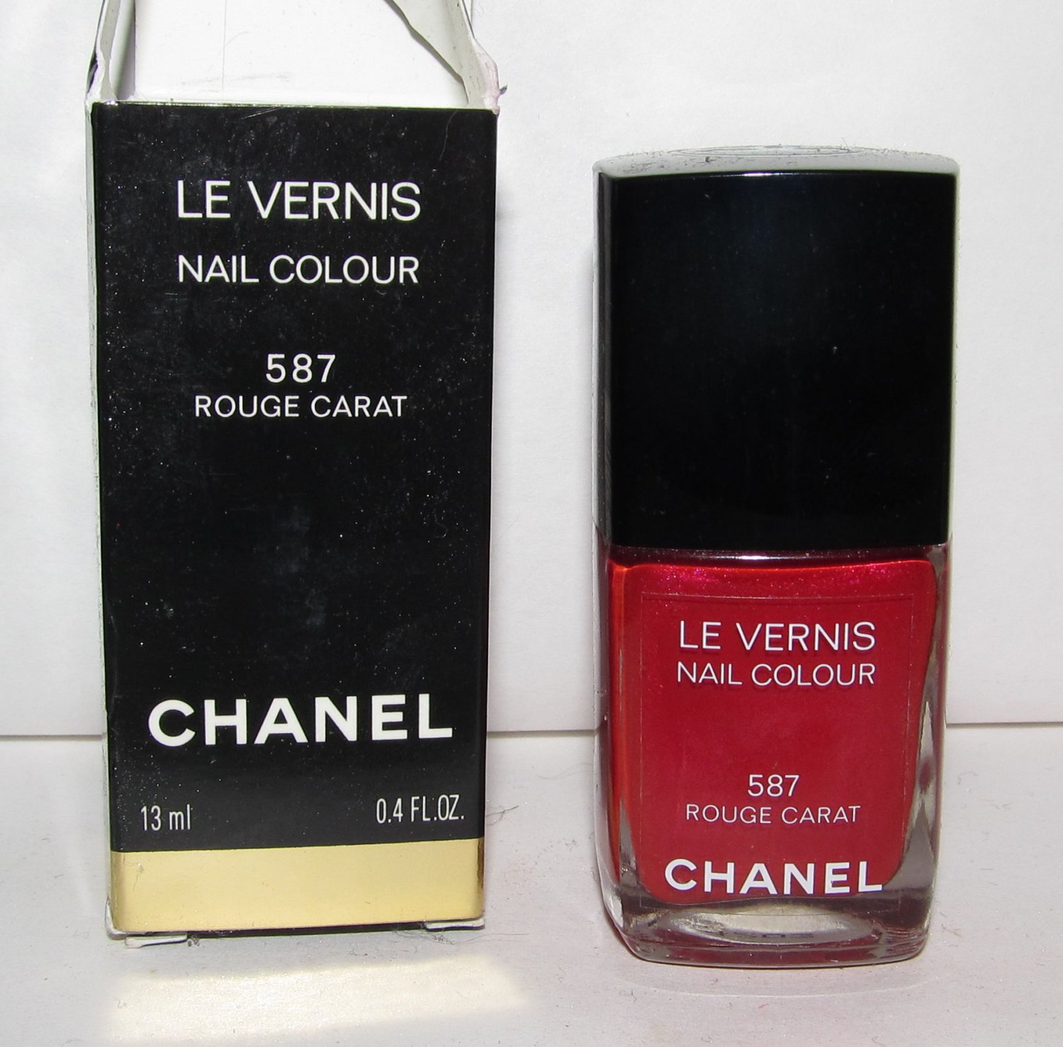 CHANEL Nail Polish - Rouge Carat 587 NIB