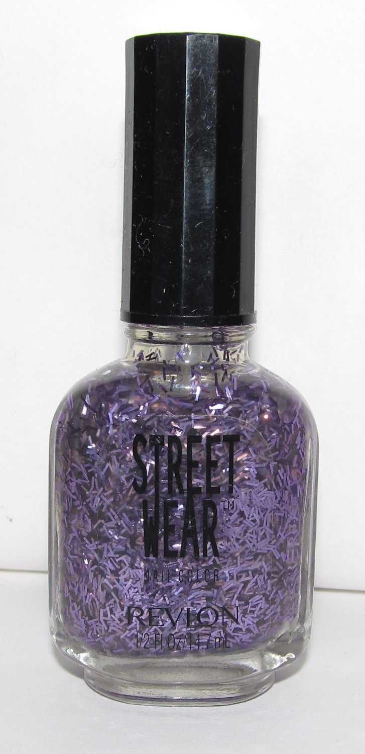 Revlon Nail Polish - Street Wear - Illusion 21 - NEW