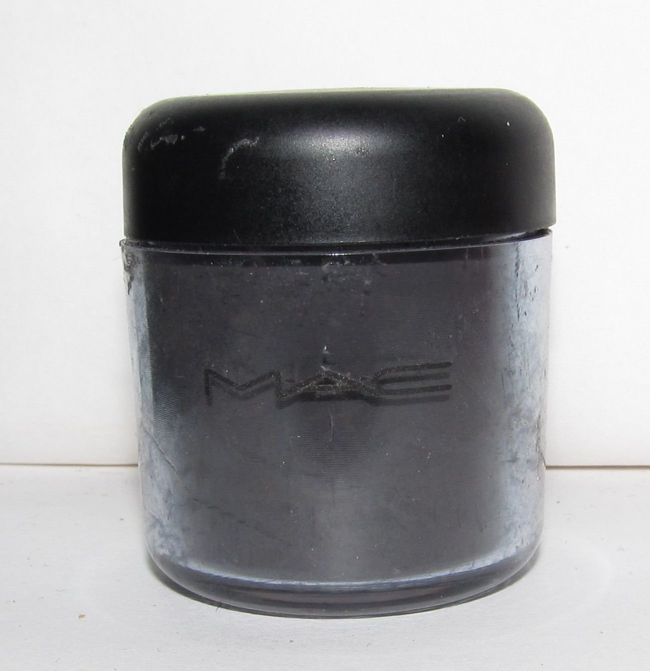 MAC - Black Black 1/4 tsp Pigment Sample w/Original Older Style Jar