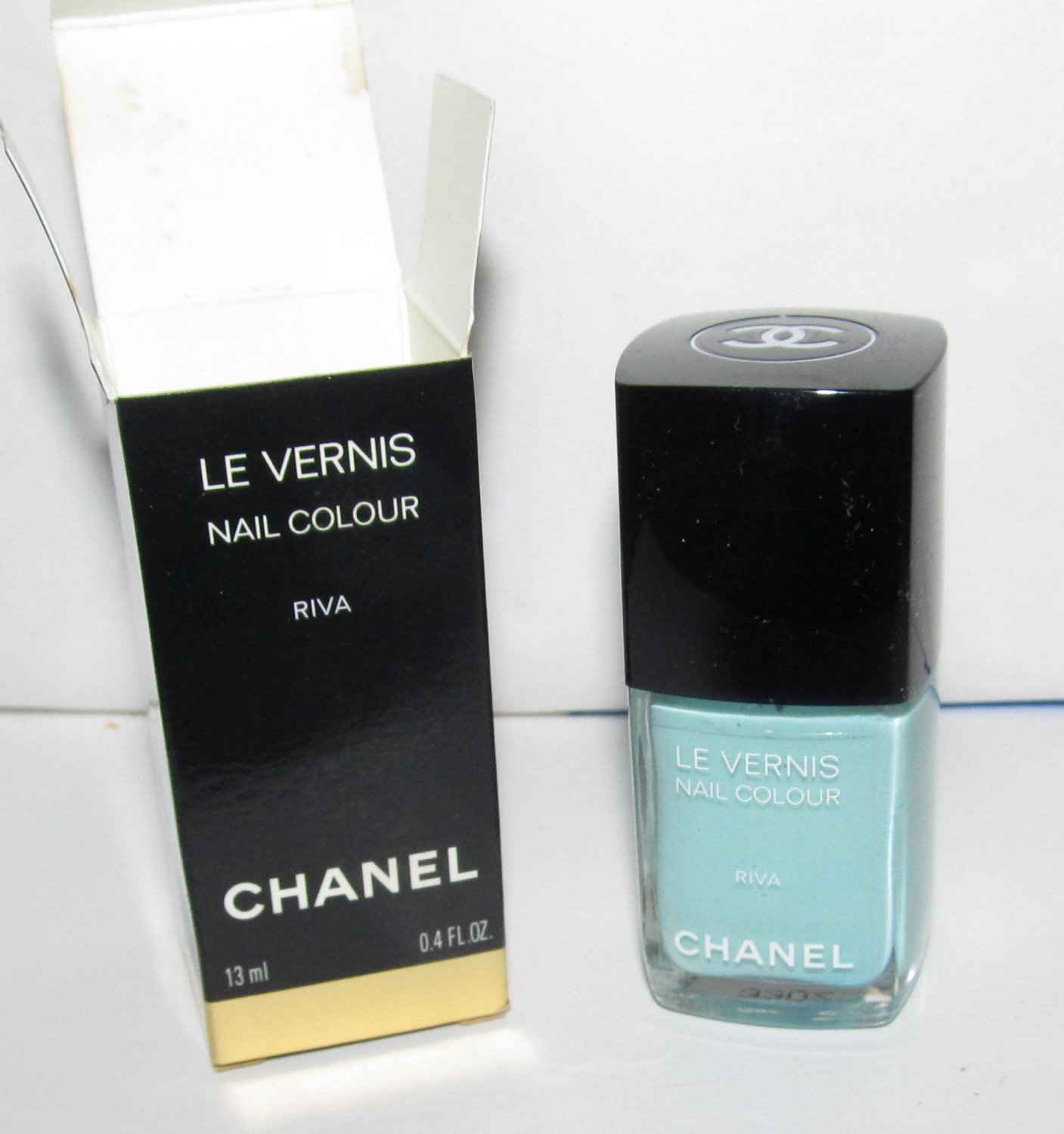 CHANEL Nail Polish - Riva - NIB