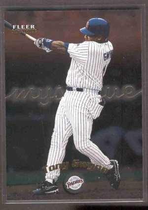 2000 Fleer Mystique #105 TONY GWYNN