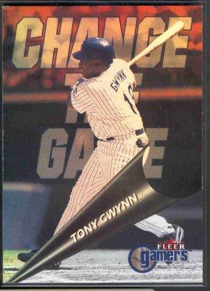 2000 Fleer Gamers Change the Game #CG10 TONY GWYNN