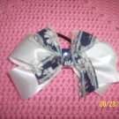 hair bow white/blue
