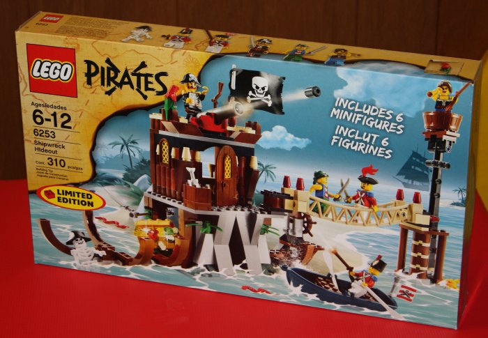 Lego Pirates Shipwreck Hideout 6253 - Limited Edition!