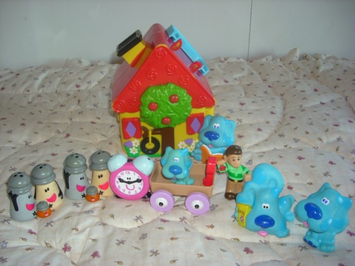 Blues Clues House Blue Steve Salt Pepper Figures Toy