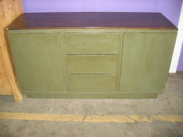 #6  Solid Wood Contempory Sideboard/Console/Tv Cabinet w/ 3 Drawers and 2 Doors w/ Shelves