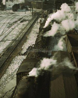 CHICAGO STATION TRAIN YARD RAILROAD VINTAGE PHOTO LOCOMOTIVE TRACKS JACK DELANO 1940S