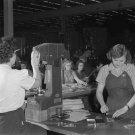1942 ROSIE RIVETER BOMBER PLANT VINTAGE PHOTO WOMEN OLD