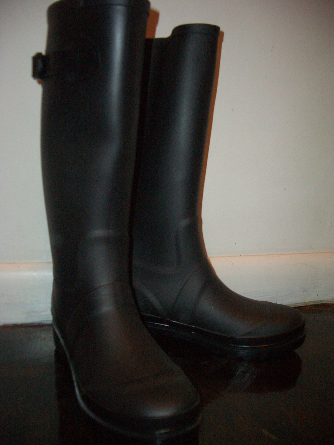 Marc by Marc Jacobs Women's Rain boots size 8 Black