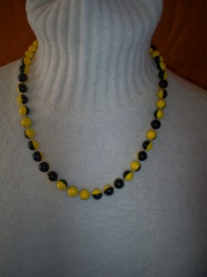 """Fashion Bead Necklace in Yellow & Black, 22"""""""