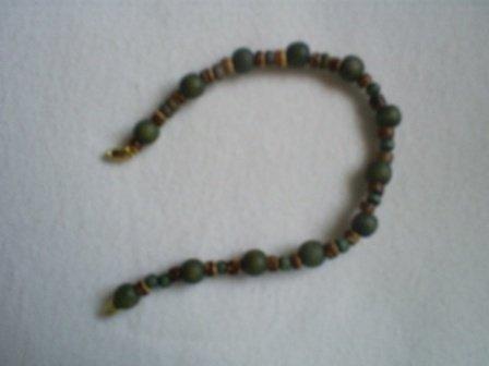 "Handcrafted Beaded  Bracelet, 8 1/2""   New"