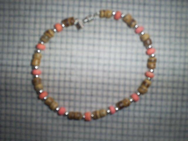"Handcrafted Beaded  Bracelet, 8""   New"