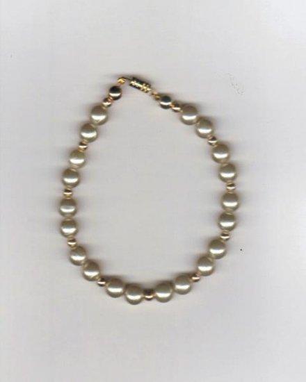 "Handcrafted  Vintage Beaded  Bracelet, 8 1/4""   New"
