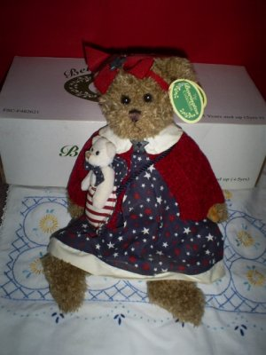 """The Bearington Collection. """"Betsy and Ross"""" (In Original Box)"""