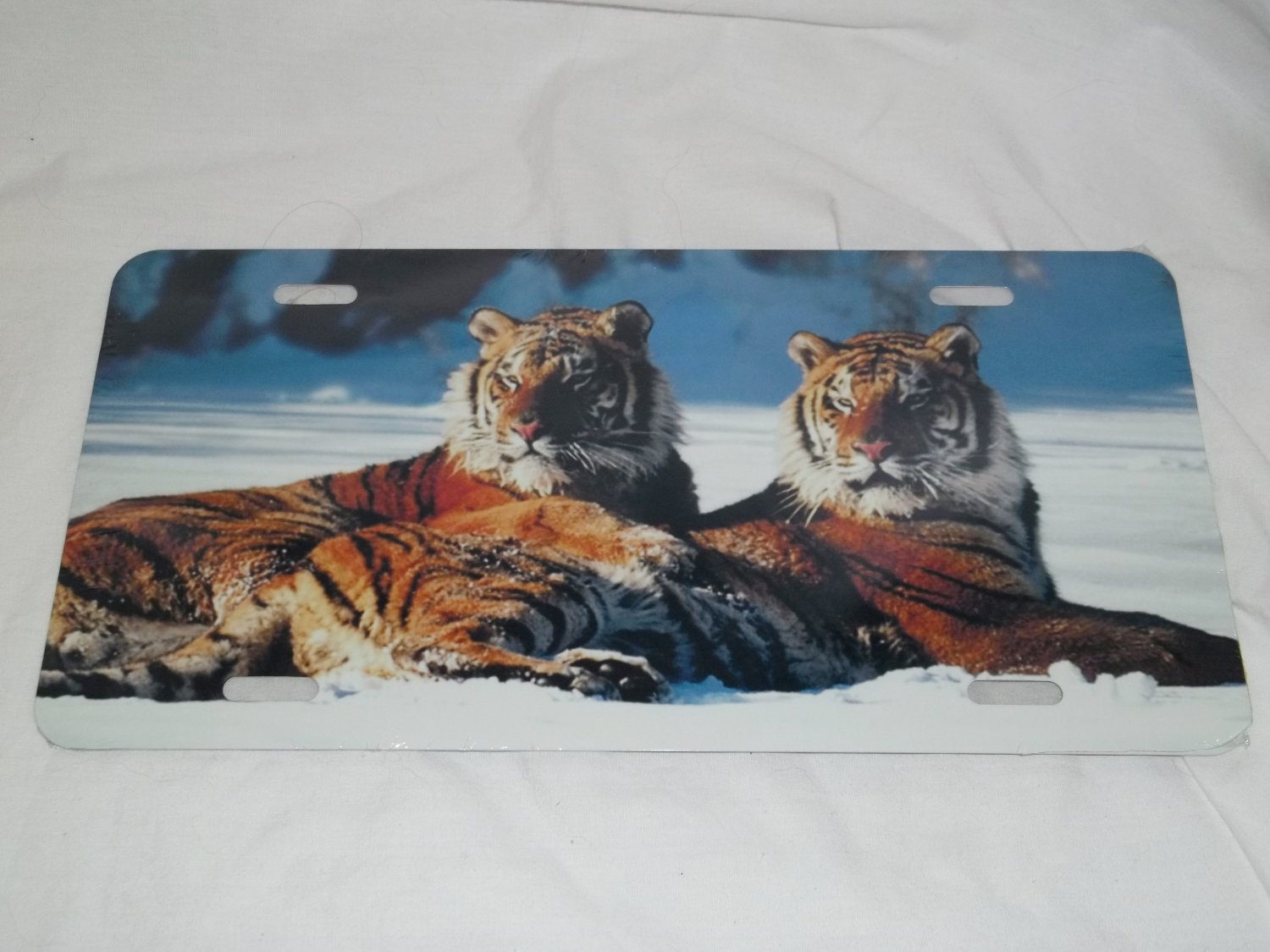 TWIN TIGER LICENSE PLATE 6 X 12 NEW