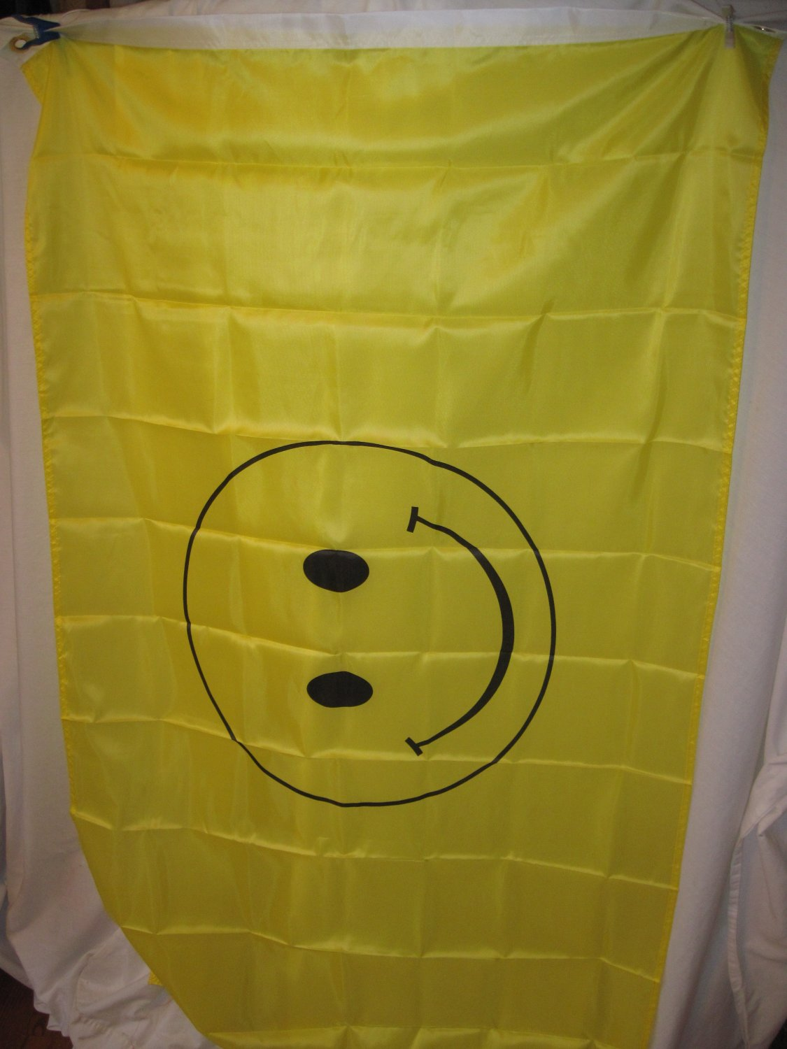 SMILEY FACE YELLOW FLAG 3X5 3 X 5 VERY NICE NEW