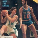 * 1972 SPORTS ILLUSTRATE​D CELTICS OVER KNICKS