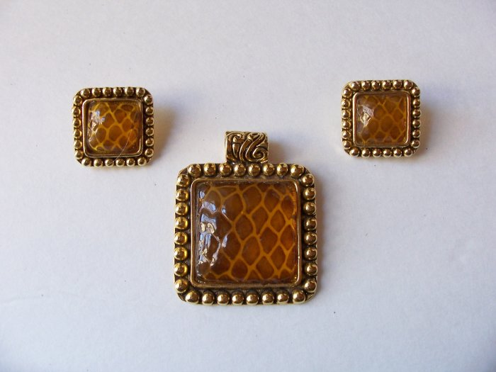 Vintage Faux Amber Honeycomb Snakeskin Design Pendant Earrings Set