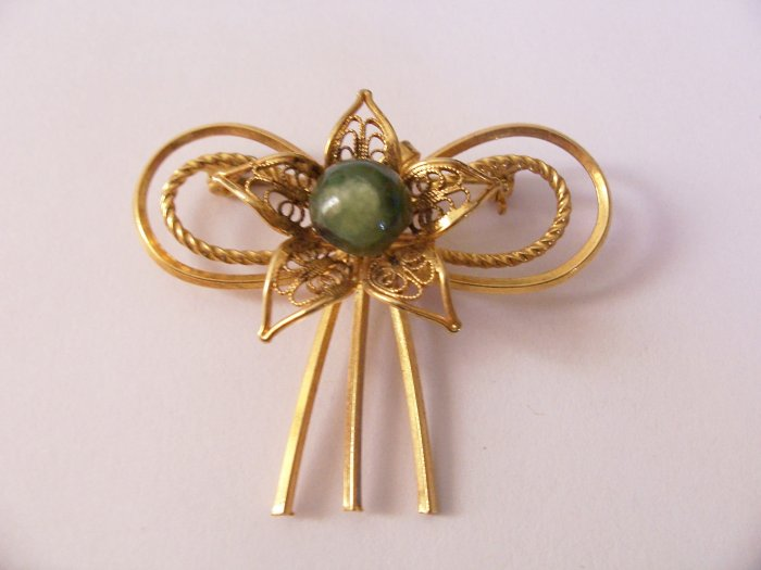Vintage Star Bow Filigree Jade Art Deco Brooch Pendant