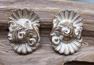 Vintage Floral Flower Repousse Clip Earrings White & Gold Tone