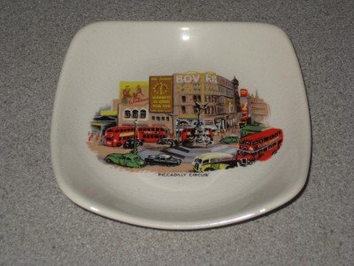 Vintage Picadilly Circus London Ashtray Wade England