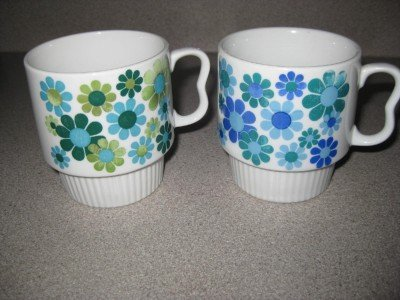 2 Vintage Japan Stacking Coffee Cups Green Blue Daisies