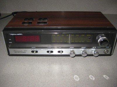 Vintage Realistic Chronomatic-207 AM FM Clock Radio