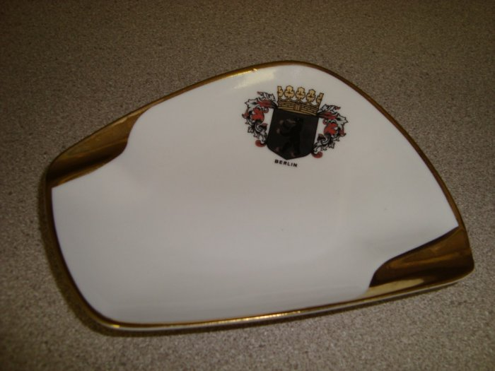 PMR Bavaria Berlin Ashtray Gold Trim German China