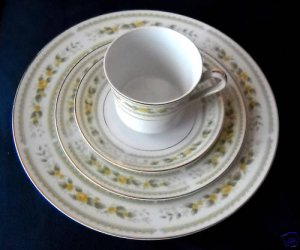Mikasa Oakdale cups and saucers  (5 sets available)