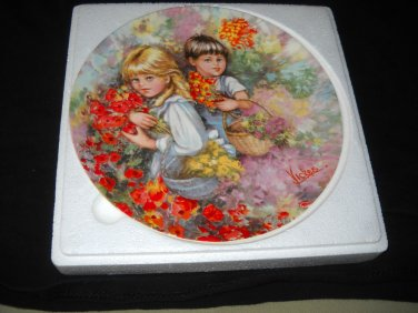 """WEDGWOOD/ VICKERS collector plate """"OUR GARDEN"""""""
