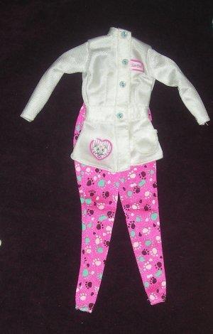 Barbie Clothes Pet Doctor Doll 1996 Outfit Vet (Barbie clothes, Fashions)