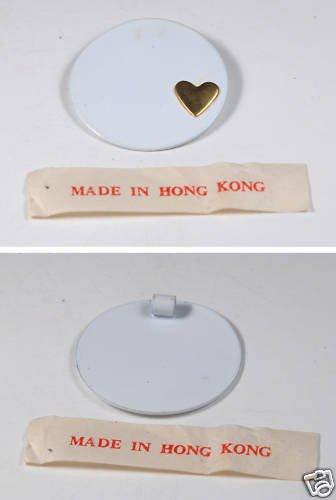 VINTAGE HONG KONG 60�S WHITE METAL GOLD HEART PENDANT