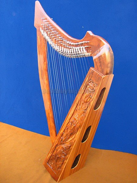 Heather Harp 22 strings C to C Course With case