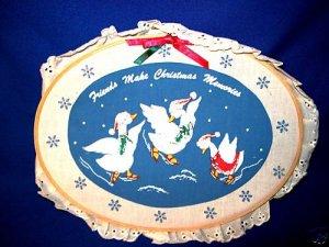 RUSS CHRISTMAS ORNAMENT HANGER FRIENDS MAKE MEMORIES