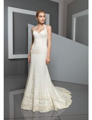 A-Line/Princess Halter Top Chapel Train Chiffon wedding dress for brides 2010 style(WDE0101)