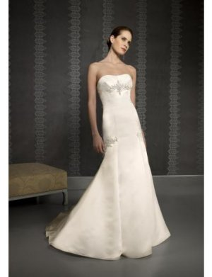 A-Line/Princess Strapless Chapel Train Chiffon wedding dress for brides new style(WDE0048)