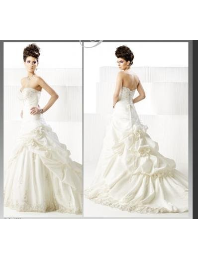 A-line/Princess Sweetheart Cathedral Train Satin wedding dress 2010(WDA3001) for brides new style