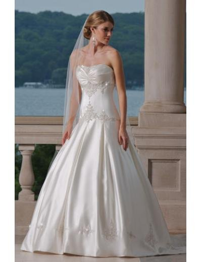 A-Line/Princess Strapless Chapel Train Satin wedding dress (WS2003) for brides new style