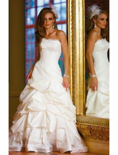 A-Line/Princess Strapless Chapel Train Taffeta wedding dress (WS1195) for brides new style