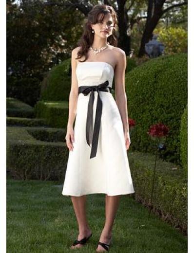 A-Line/Princess Strapless Knee-length Satin Bridesmaid Dresses for brides new style(BDS0051)