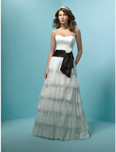 A-Line/Princess Strapless Chapel Train Satin Lace wedding dress (WS0037)