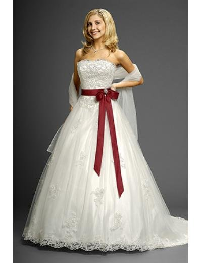 A-Line/Princess Strapless Chapel Train Organza Lace wedding dress (WD9607)