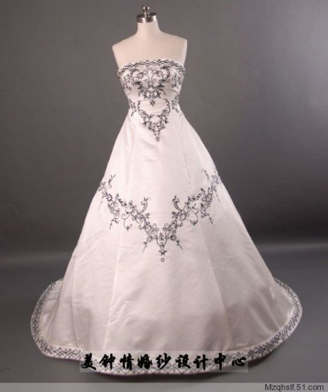 A-Line/Princess Strapless Chapel Train Satin wedding dress (LF0053)