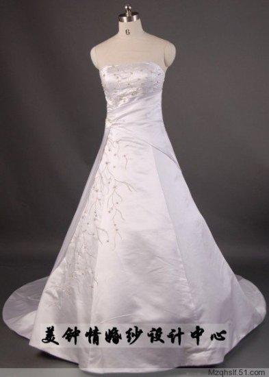 A-Line/Princess Strapless Chapel Train Satin wedding dress (LF0055)