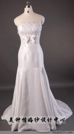 A-Line/Princess Strapless Chapel Train Satin wedding dress (LF0058)