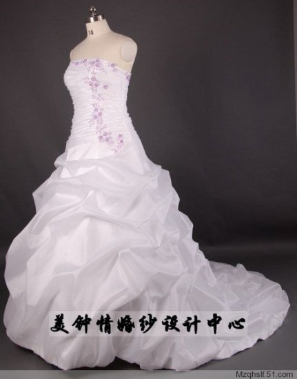 A-Line/Princess Strapless Chapel Train Satin wedding dress (LF0066)