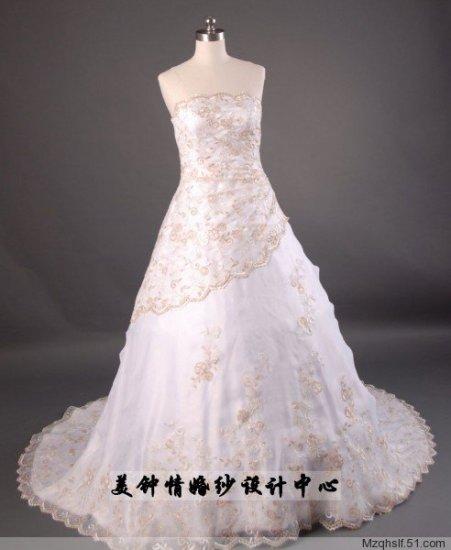 A-Line/Princess Strapless Chapel Train Satin wedding dress (LF0076)