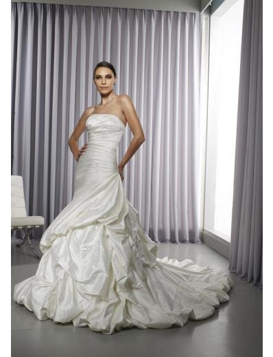 A-Line/Princess Strapless Chapel Train Taffeta wedding dress for brides gowns new Style(WD0291)